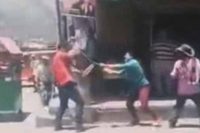 'Celos malditos celos': El cornudo y el amante se matan a puñaladas en una brutal pelea callejera