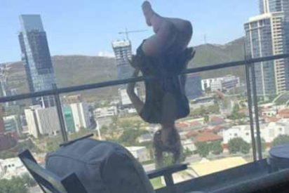 Fascinada por la tendencia de practicar yoga extremo, cayó 25 metros desde una terraza