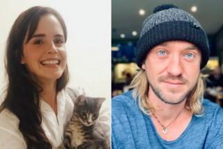 Fans de Harry Potter enloqucen con la foto de Emma Watson en pijama acompañada por Tom Felton