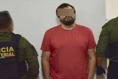 El facineroso acribilló a tiros a su padre (un exjugador de la NFL), a su madre y terminó detenido en Cancún
