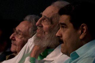 """Venezolanos estallan contra Maduro por celebrar el natalicio de Fidel: """"Ve a buscarlo, está con Chávez quemándose juntitos"""""""
