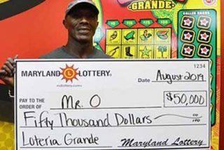 Este hombre se ganó la lotería de nuevo (en la quinta vez se ganó 50.000$ y con un raspadito)