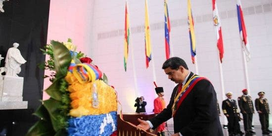 """¡Vaya carabobo que se le ha quedado a este militar chavista! Se le cuela una queja sobre el régimen de Maduro mientras alardea de la victoria sobre el """"imperio español"""""""