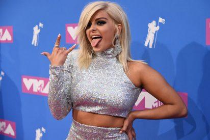 La cantante Bebe Raxha se muestra en ropa interior para callar las críticas de las discográficas