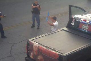 Policía intercepta a un fan de Trump que estaba armado frente a centro de inmigrantes en El Paso