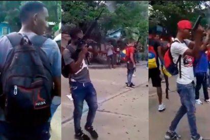 Vídeo: El 'ejército' paramilitar de Maduro muestra una pequeña parte de su arsenal