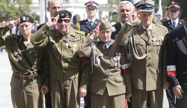 Polonia rinde homenaje a un grupo militar que colaboró con los nazis