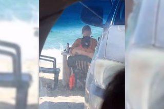 Vídeo: Pillan a una pareja fornicando a destajo en mitad de la playa