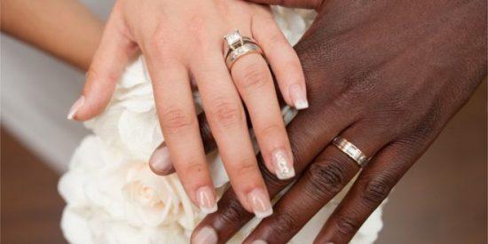 Polémica en EEUU: Un local se niega a celebrar una boda porque el novio era negro y ella blanca