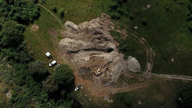 El pozo de la muerte: encuentran 119 bolsas con los restos de las víctimas de la guerra contra el narco