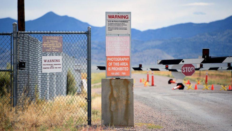 Área 51: La verdad detrás del misterioso lugar donde algunos creen que existen cuerpos extraterrestres