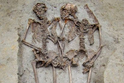 El misterio de los esqueletos de 'Los amantes de Módena' y la incognita de si eran o no homosexuales