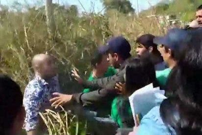 Vídeo: La agresión 'bolivariana' de la izquierda argentina a un grupo de turistas que visitaba Iguazú