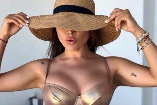 Una locutora posa con ropa interior semitransparente y mostró su 'tesorito'