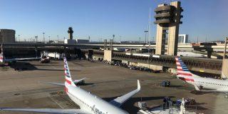 ¿Racismo en American Airlines?: Acusan a la aerolínea de perfilar a dos musulmanes y cancelar el vuelo