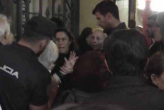 Exclusiva PD: Policía Nacional reduce al podemita radical que atacó a una socia del Ateneo de Madrid que quiso frenar su 'show' chavista