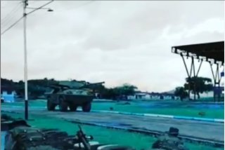 Militares chavistas la lían parda en un entrenamiento: El vídeo que deja en ridículo a Nicolás Maduro y sus cómplices en España