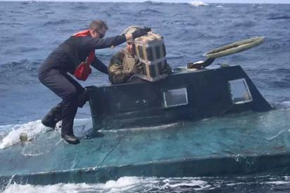 EEUU: La Guardia Costera captura un semisumergible con 5.000 kilos de cocaína