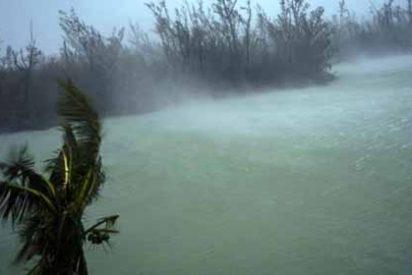 El paso devastador del huracán Dorian por Las Bahamas deja ya cinco muertos