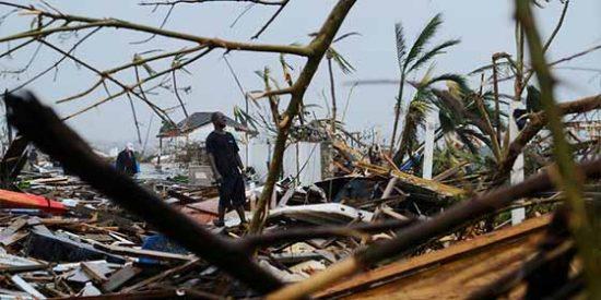 Una Bahamas devastada por el huracán Dorian recibe a la tormenta tropical Humberto
