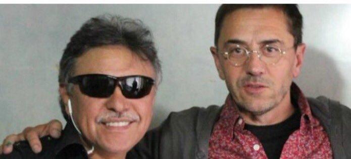 Ridículo monumental de Monedero: Intenta sacar lana de la foto de Guaidó con dos paramilitares y sale trasquilado por su imagen con las FARC