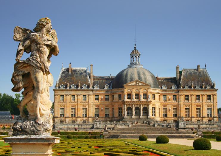 El golpe criminal de 2019: Asaltan un lujoso palacio francés, atan a los dueños y se llevan un botín de dos millones de euros