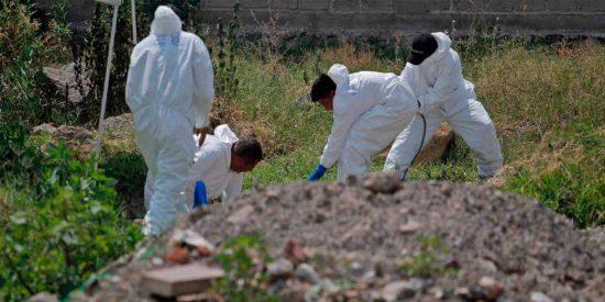 'A la mexicana': Encuentran 119 bolsas con restos de cadáveres en una fosa de Jalisco