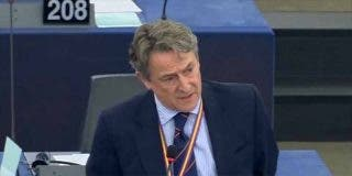 """Tertsch 'calla' a Zapatero: """"VOX no nace de FAES, sino de la autodefensa de España"""""""