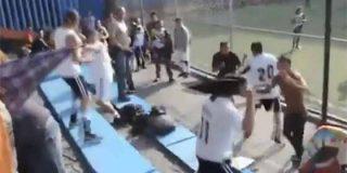 Los padres más ultras protagonizaron esta pelea monumental en un partido de fútbol infantil