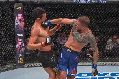 Brutal knockout en la UFC: deja inconsciente a su rival y lo 'remata' sin piedad contra el suelo