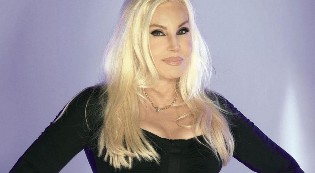 La conductora de TV Susana Giménez publica un 'retro desnudo' ardiente