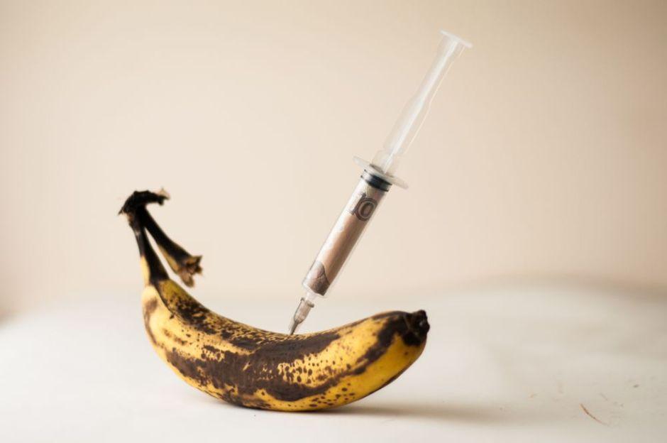 Un hombre intentó alargarse el 'banano' con una inyección de vaselina y el resultado fue catastrófico