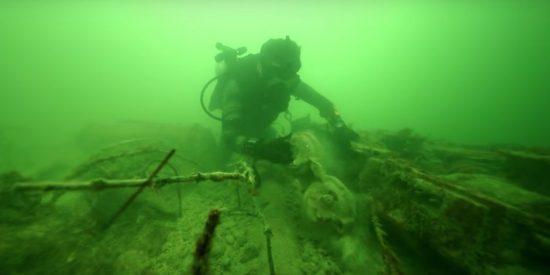 Vídeo: El misterioso cementerio de autos encontrado en este inesperado mar