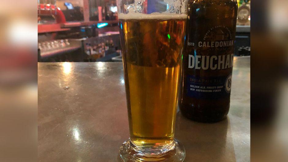 Toma una cerveza en un hotel y le cobran 55.000 euros