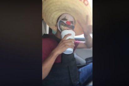 Vídeo: Los narcopayasos que 'patrullan' las calles de México