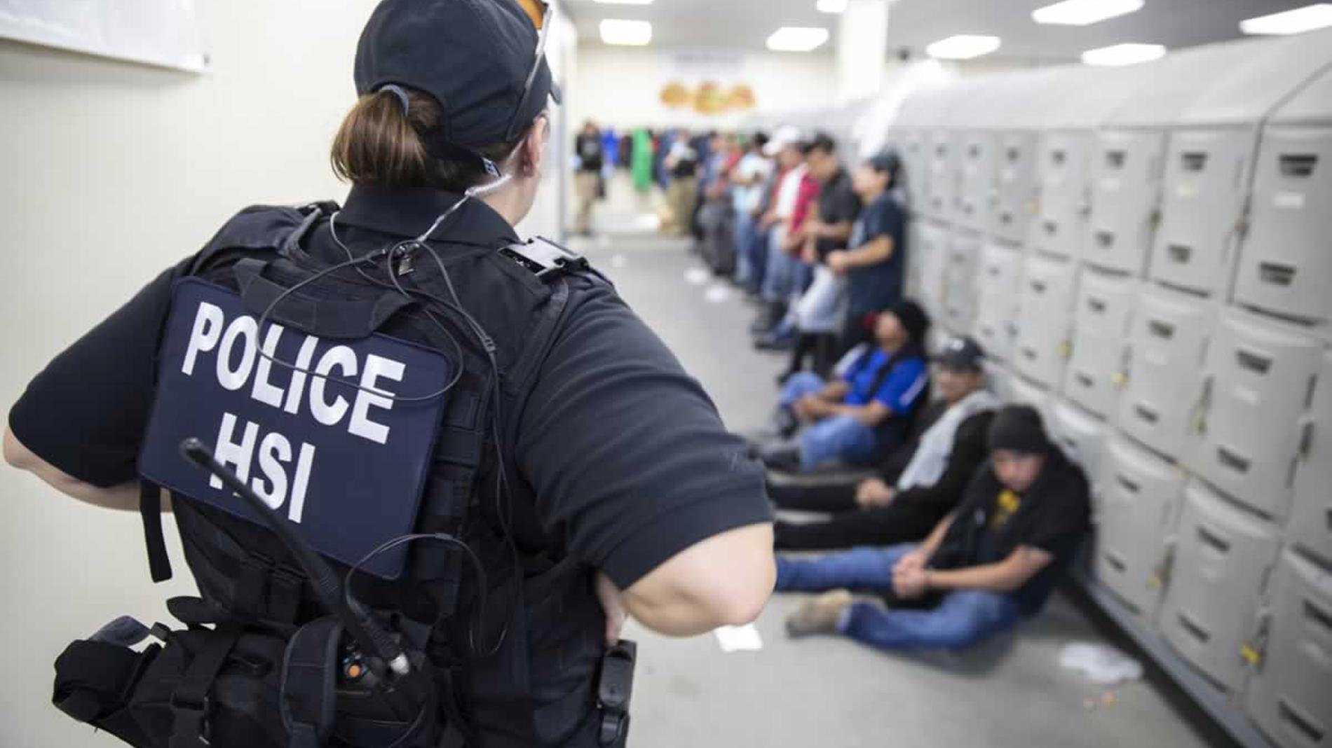 El empresario mexicano que ganó millones con la detención de niños migrantes en EEUU