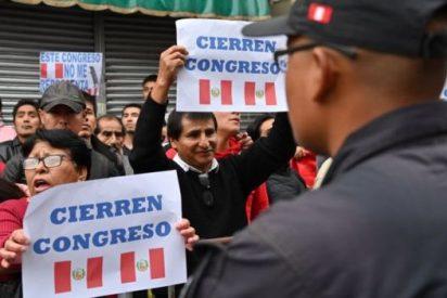 Crisis política en Perú: El presidente disuelve el Congreso y convoca elecciones legislativas