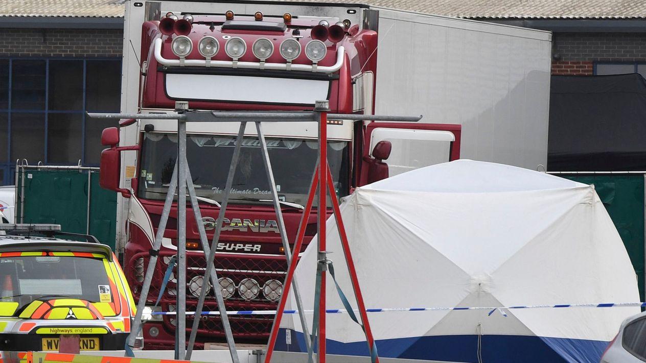El camión búlgaro de la muerte: Encuentran 39 cadáveres a bordo del vehículo en Reino Unido