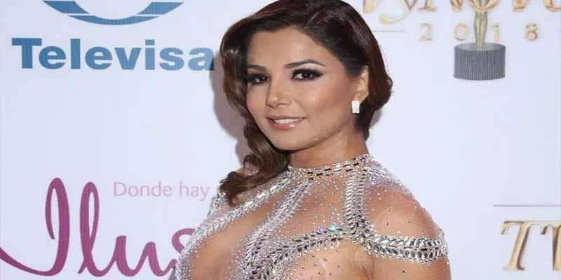 El espectáculo fogoso de Aleida Núñez: Toda la piel de la cantante con un baile inolvidable