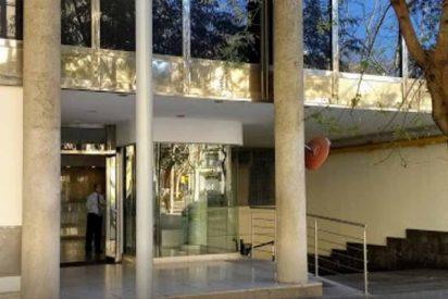 """Una uruguaya """"con personalidad paranoide"""" se esconde en el consulado de su país en Barcelona para no entregar a su hija"""