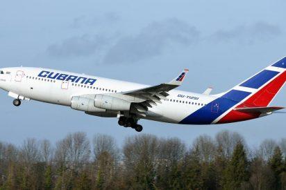 Le cortan las alas a la aerolínea estatal cubana: suspende vuelos por el impacto de las sanciones de EEUU