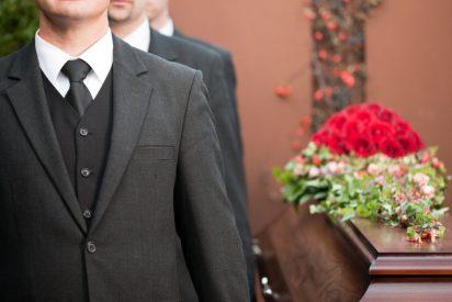 No estaba muerto, estaba de parranda: Llega a su casa pocas horas después de haberse celebrado su funeral