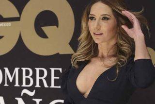 La actriz mexicana Geraldine Bazán expuso su cinturita mientras la golpean las olas del mar