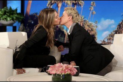 Jennifer Aniston le come la boca a Ellen DeGeneres: Pero los más ilusionados fueron los fans de Friends