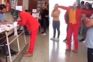 """El Joker apareció para votar en Argentina y en las redes lo rebautizaron como """"El Democracias"""""""