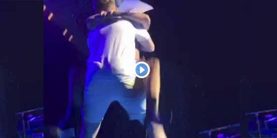 Vídeo: El ridículo de Lady Gaga con una espantosa caída en pleno concierto