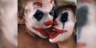 La escalofriante escena de Miley Cyrus con su 'peor es nada' Cody Simpson recreando al 'Joker' en ropa interior