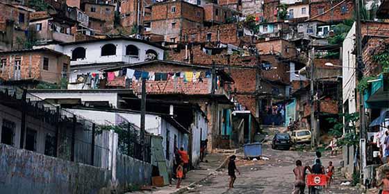 Estos son los países de América Latina donde la pobreza extrema se ha disparado (y donde ha disminuido)