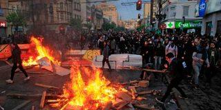"""La """"incertidumbre"""" por la violencia comunista en Chile genera """"desconfianza"""" en la inversión extranjera"""