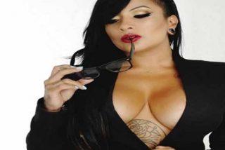 La candente modelo venezolana Yeilove mostró sus senos y las cicatrices que le dejaron las operaciones